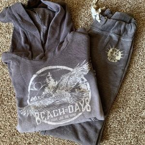 Billabong Hoodie and sweatpant ser